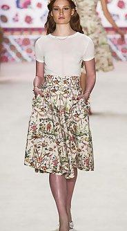 модные женские юбки лето 2016 - юбка а-силуэта с цветочным принтом
