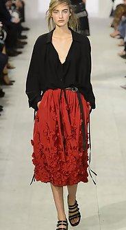 модные юбки лето 2016 - юбка миди с декором из цветов 2