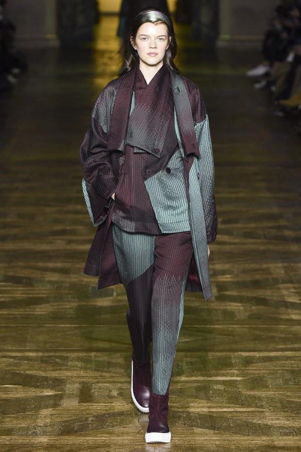 модная коллекция Issey Miyake осень зима 2017