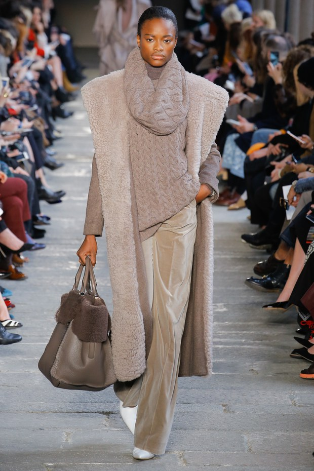 сумка с мехом - мода осень 2017