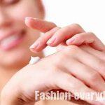 Как ухаживать за кожей рук осенью?