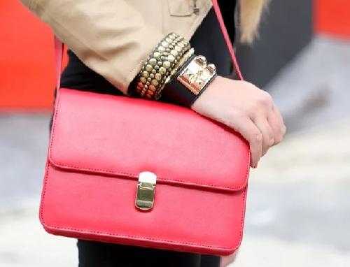 3e9b4cbda668 Сумка красная, сумка красного цвета, с чем ее носить и сочетать -  Fashion-everyday.ru